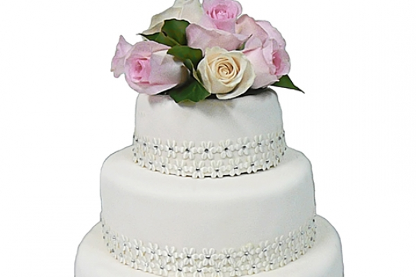 small-three-tier-iced-wedding-cake11D58DD5-14FC-B0DB-C883-91F5859622B6.jpg